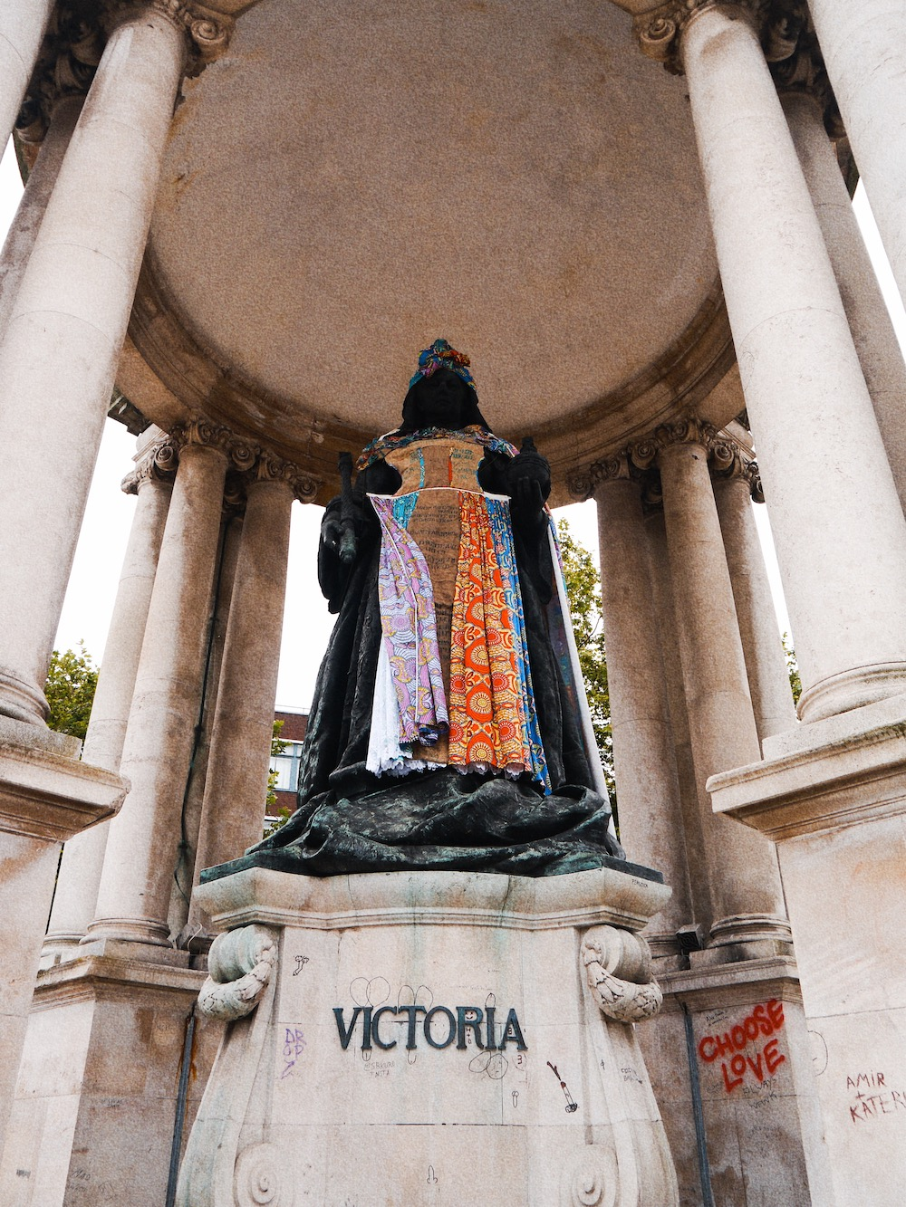 Statues Redressed Vic Monument Photo Credit MINT